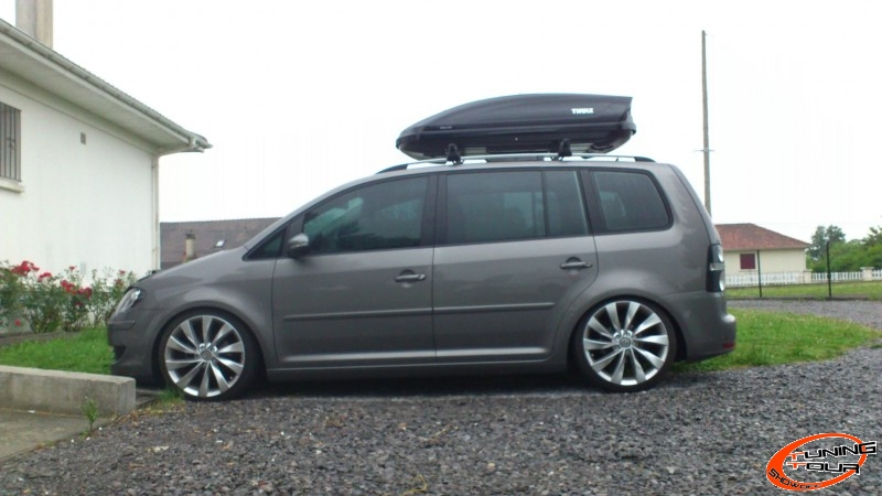 tuning tour volkswagen touran de 2009. Black Bedroom Furniture Sets. Home Design Ideas