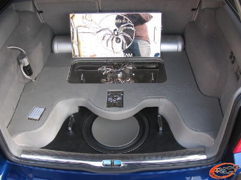 tuning tour volkswagen passat de 2002. Black Bedroom Furniture Sets. Home Design Ideas