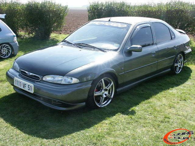tuning tour ford mondeo de 1993. Black Bedroom Furniture Sets. Home Design Ideas